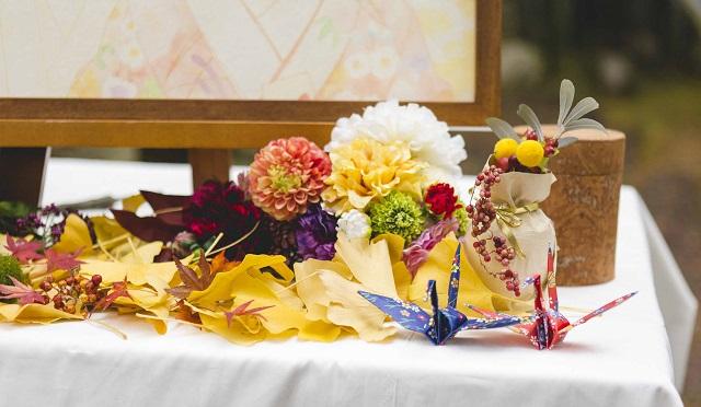 秋の和婚-折り鶴シャワー